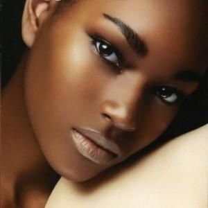 maquillage nude qui attire les hommes quand on a la peau noire